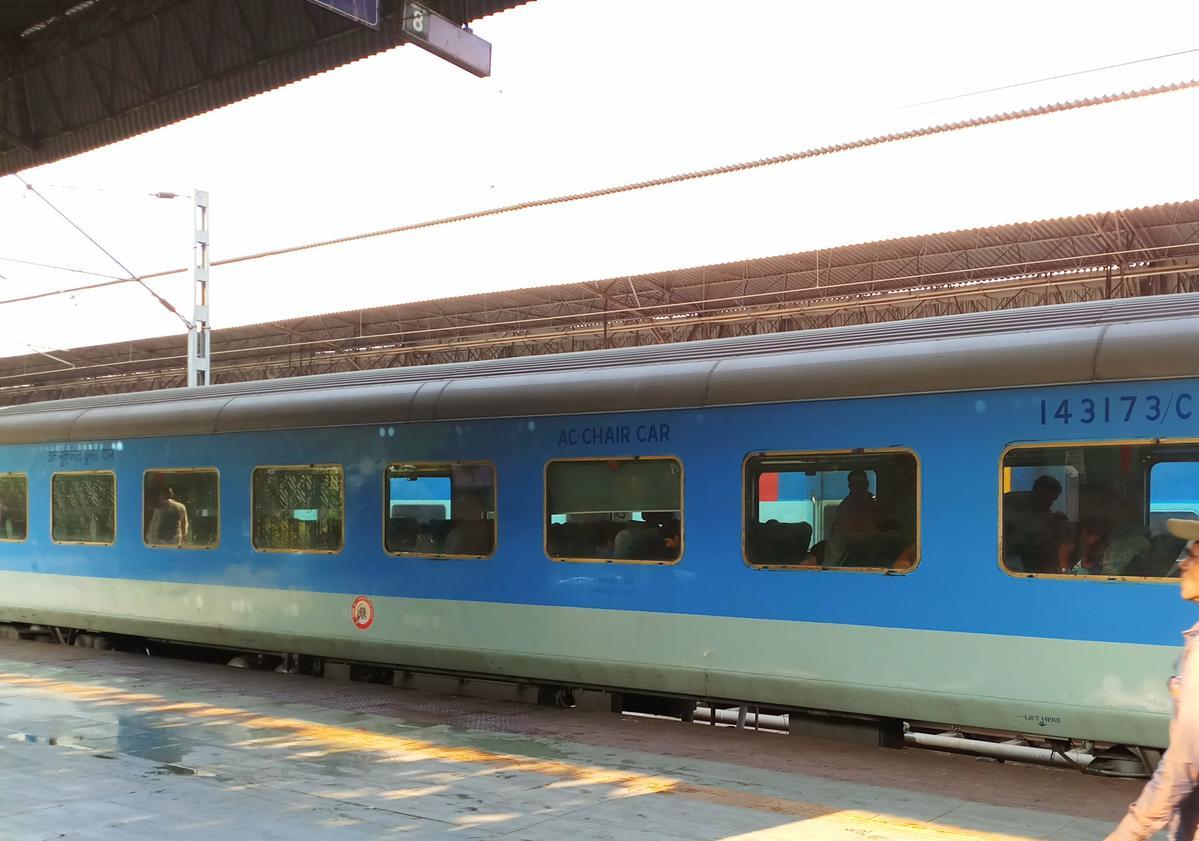 howrah puri shatabdi express 12277 irctc reservation availability