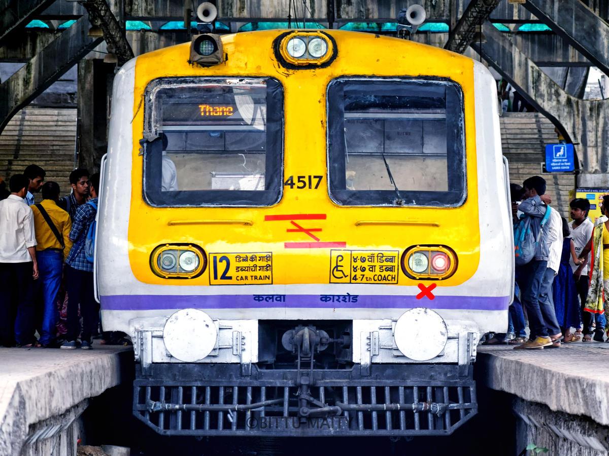 Mumbai Girls and Married Working Women Life