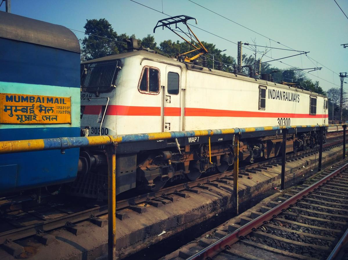 12322/Mumbai CSMT - Howrah Mail (via Gaya) (PT) - Chhatrapati Shivaji  Maharaj Terminus to Howrah ER/Eastern Zone - Railway Enquiry